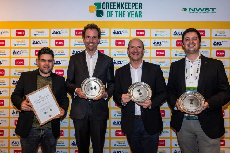 Verbeet met de drie Greenkeeper of the Year-genomineerden: Nicolas de Schutter, Allan Salmond en Jef Reynders.