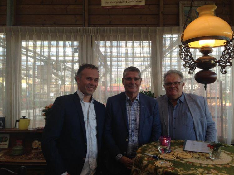 Johan Oosthoek, Piet Oosthoek en Peter Rijneveldzoek