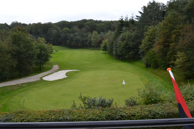 Een archieffoto van hole 9 op golfbaan Schaerweijde