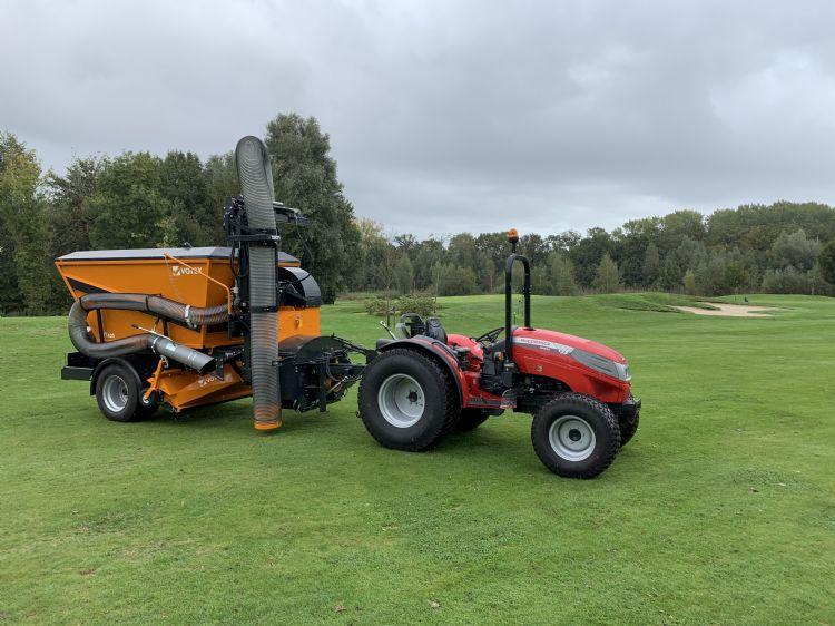 De nieuwe Votex VT420 met zuigarm. Foto: golfbaan Apart Hotel Delden