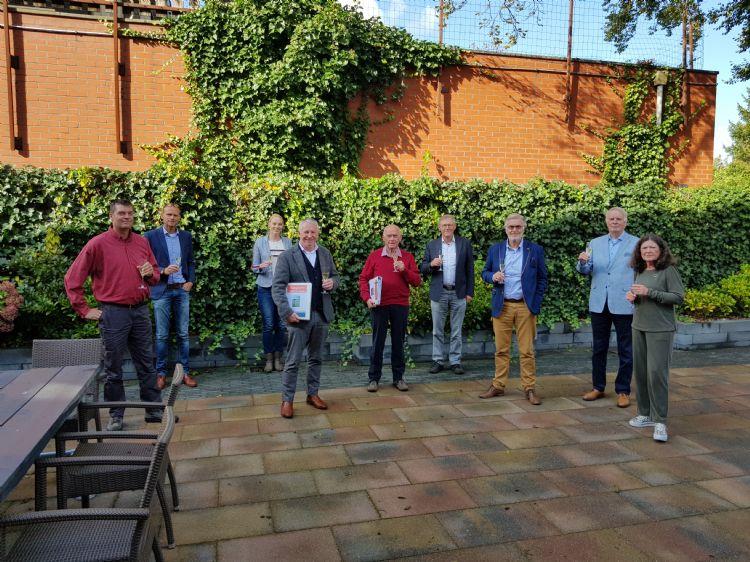 V.l.n.r. Anton Metselaar, Bart Hooghiemstra, Annet Weits, Gerard van der Werf, Jan Tammeling, Henk Rotman, Jan Bender en Ciska Gerdes.