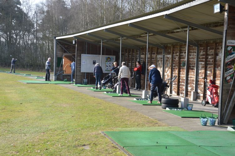 De huidige driving range op de Twentsche Golfclub.