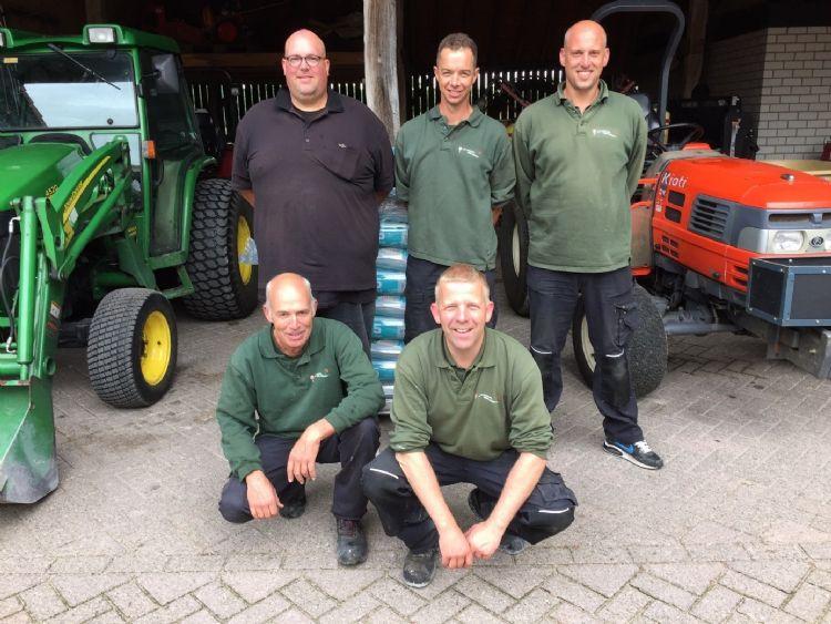 Achter: Gideon Elderkamp, Jorg de Wit en Michel Elderkamp. Voor: Frank de Bresser en Koen Verhelst