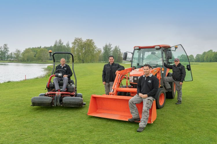 Greenkeepersteam met Corné Maijers, Ramon Maas, Jos Pijnenburg en Kees van de Wiel.