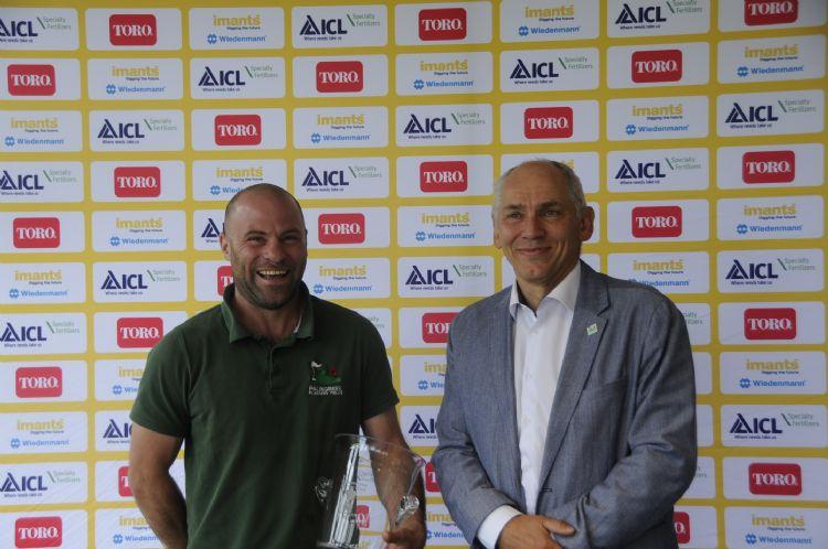 Ben Hooper met zijn clubvoorzitter: Dirk Vermunicht